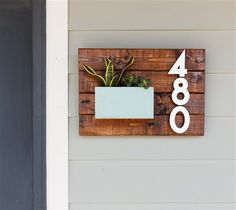 How to Make a DIY House Number Sign (in minutes!) Learn how to make a DIY House Number Sign in minutes! Update your home's exterior and curb appeal with a new house address sign. Door Number Sign, Door Numbers, Address Numbers, Number Signs For House, Diy House Numbers, House Numbers Modern, Diy Wood Planters, House Address Sign, Address Signs