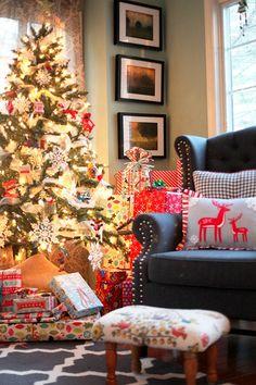 christmas morning, christmas decorations, christma decor, reindeer pillow, christma time, christma advent, xmas pillow