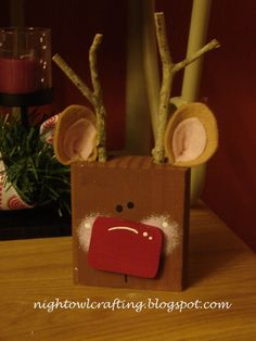 Super simple christmas craft wood block christmas for Christmas crafts for adults to sell