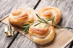 Σφολιάτα με τυρί και ζαμπόν | imommy.gr Camembert Cheese, Ethnic Recipes, Food, Food Food, Meals, Yemek, Eten