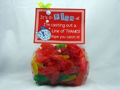 This little bag is filled with assorted swedish fish. add a cute tag and wrap it in cellophane for a nice thank you gift. The tag reads, It's O-FISH-al. Hope you catch it! Thank You Gift For Parents, Thank You Gifts, Teacher Appreciation Gifts, Teacher Gifts, Missionary Gifts, Teacher Treats, Bubble Guppies Birthday, Party Supply Store, Online Party Supplies