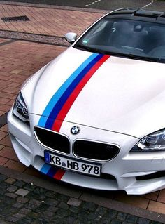 Bmw M6 Motorsport. Love the stripe :)