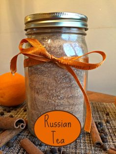 Russian Tea Recipe Living a Sunshine Life recetas prácticas Non Alcoholic Drinks, Beverages, Cocktails, Food Styling, Liqueur, Meals In A Jar, Jar Gifts, Gift Jars, Candy Gifts