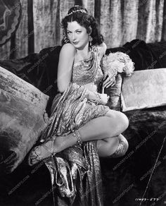 photo Hedy Lamarr leggy sexy pose from Samson and Delilah 853-16