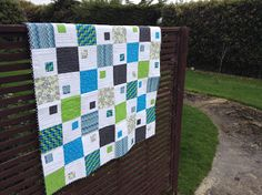 Jen's Crafts and Quilts Scrapbook: Little Leap Frog baby quilt