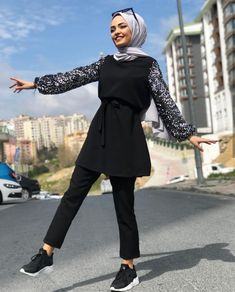 38 Trendy Ideas For Style Hijab Chic Classy Modern Hijab Fashion, Muslim Fashion, Modest Fashion, Trendy Fashion, Fashion Outfits, Live Fashion, Hijab Outfit, Hijab Style Dress, Hijab Chic