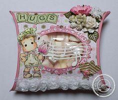 470.713.006 Dutch Doobadoo Card Art Pillowbox door Astrid Broer
