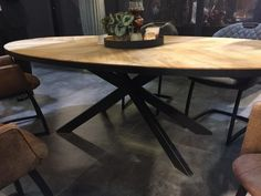 Story ovale eettafel visgraat Dinning Room Tables, Dining Area, My Living Room, Sweet Home, Interior Design, Furniture, Project 4, Home Decor, Ufo