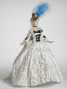 I love this Robert Tonner doll.  Wouldn't mind having the dress too.