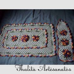 Tapete e porta papel higiênico https://www.facebook.com/pages/Thalita-Artesanatos-Vendas/477031682453686