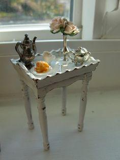 1:12 scale // Miniature shabby tray table by Kimsminibakery on Etsy