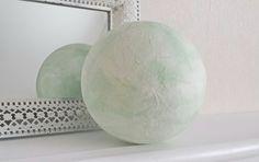 """Leuchtkugel """" Eisgrün """"   pastell von Creativablue auf DaWanda.com"""