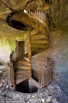 Stairwell on North Brother Island an entire abandoned island in NYC! Abandoned since Staircase example for in watch tower Abandoned Buildings, Abandoned Mansions, Old Buildings, Abandoned Places, Derelict Places, Stairway To Heaven, Haunted Places, Stairways, Old Houses