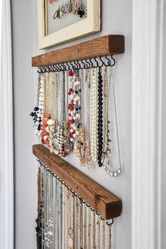 Diy Jewelry Hanger, Hanging Jewelry Organizer, Jewelry Wall Organizers, Diy Hangers, Diy Organizer, Jewellery Storage, Jewellery Display, Diy Jewelry Wall Display, Hang Jewelry On Wall