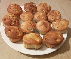 BRIOSE CU IAURT SI GRIS - Flaveur Baby Food Recipes, Healthy Recipes, Healthy Foods, Baby Cupcake, Healthy Sweets, Deserts, Muffin, Food And Drink, Cupcakes