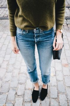 Women Clothing Flats, jeans and comfy sweaters. fall fashion for women. Women ClothingSource : Flats, jeans and comfy sweaters. fall fashion for women. Mode Outfits, Casual Outfits, Fashion Outfits, Womens Fashion, Fashion Flats, Sweater Outfits, Green Sweater Outfit, Olive Green Sweater, Woman Outfits