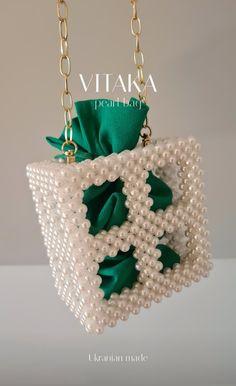 Green Handbag, Green Bag, Beaded Bags, Beaded Jewelry, Jewellery, Handmade Handbags, Handmade Bags, Crochet Gloves Pattern, Custom Made Gift