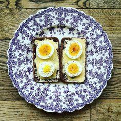 Classic Egg sandwich on this sunny Sunday!☀️☀️☀️