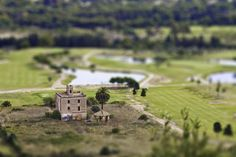 Miniature Photography: Casita ~Progressively blurring a photo from the center out toward the top and bottom is one of the most effective ways of producing a fake miniature, as seen in this photo.