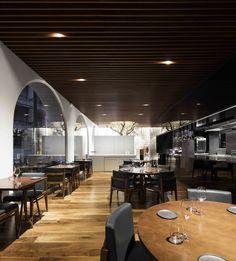 Galeria de Restaurante Loco / João Tiago Aguiar Arquitectos - 12