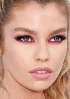 Close-up of Stella Maxwell at the 2016 MTV Video Music Awards.