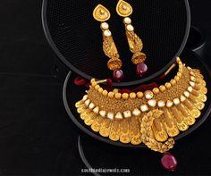 Gold Choker Necklace and Earrings Design from Josalukkas