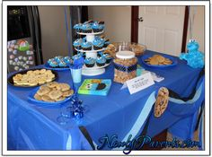 Cookie Monster Birthday Party Decorations - Cookie Monster cake table