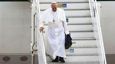 Francisco concedeu entrevista durante o voo de volta a Roma. O papa fez um balanço da viagem ao Brasil e surpreendeu ao tocar em temas delicados