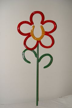 Horseshoe flower-these will last all year round!! Make a flower ...