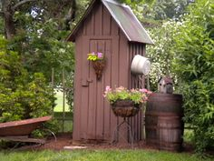 Nice Garden Shed Storage Ideas on a Budget 34 Greenhouse Shed, Garden Tool Shed, Garden Pots, Garden Sheds, Backyard Sheds, Outdoor Sheds, Outdoor Gardens, Rustic Gardens, Indoor Garden