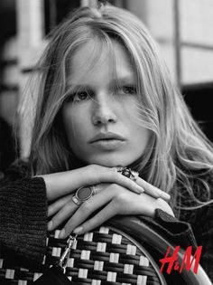 Anna Ewers Hm Fall Winter 2015 Ad Campaign04 Anna Ewers, Beauty Photography, Portrait Photography, Editorial Photography, Photo Hacks, Pictures Of Anna, Art Pictures, Hair Secrets, Campaign Fashion