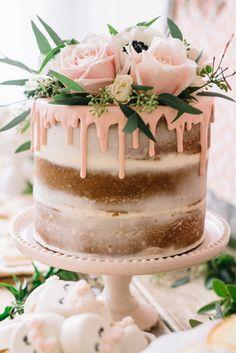 New cake fondant vintage simple 67 Ideas Rustic Birthday Cake, New Birthday Cake, Pretty Cakes, Beautiful Cakes, Fondant Cakes, Cupcake Cakes, Food Cakes, Bolo Nacked, Bolos Naked Cake