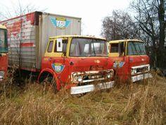 Classic Gmc, Classic Trucks, Vehicle Signage, Truck Transport, Old Commercials, Mack Trucks, Chevrolet Trucks, Vintage Trucks, Commercial Vehicle