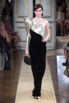 Armani Privé, Automne/Hiver 2018, Paris, Haute Couture