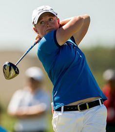Stacy Lewis beats out Lexi Thompson in Navistar LPGA Classic.