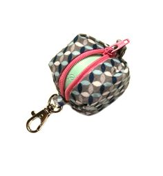 Items similar to CUSTOM - EOS style lip balm holder zipper pouch with clip - for circle or egg shape lip balms - CUSTOM, you pick on Etsy Eos Lip Balm, Tinted Lip Balm, Lip Balms, Eos Chapstick, Chapstick Holder, Eos Products, Beauty Products, Cinta Washi, Nice Lips