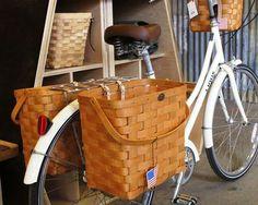 Linus Dutchi 3 with Peterboro baskets pannier basket