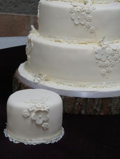 4 Solutions For Keeping a Part of Your Wedding Cake