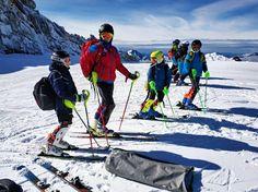 """Все еще ждете зиму, чтобы покататься в горах?⛰ А мальчики и девочки из русско-французского спортивного горнолыжного клуба """"RusSkiRacing"""", ничего не ждут. Они тренируются круглый год🎿🎿🎿. И с удовольствием примут в свои ряды маленьких спортсменов. А #alpinbus с не меньшей радостью отвезет наших чемпионов в Альпы!🚖👍 🚘Трансферы и экскурсии в Альпах. Путешествуйте с нами комфортно и безопасно🚘 alpinbus.ru 🚘 alpinbus.com 🚘 Reliable transfers 🚖 Mount Everest, Mountains, Bergen"""