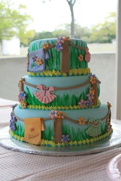 I might just have to try to make this cake!! I LOVE this!!!! Only problem is that I wouldn't want to eat it.... lol