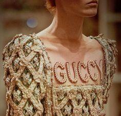 gucci cruise 2018 florence medieval tiara greece
