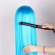 #HerramientadeBelleza #PanelCerámico #ProsesionalparaPelo Herramienta de belleza profesional enderezadora electrónica para el pelo. Se puede hacer el pelo liso y rizado perfectamente. Panel de rulo cerámico se calienta entre segundos.