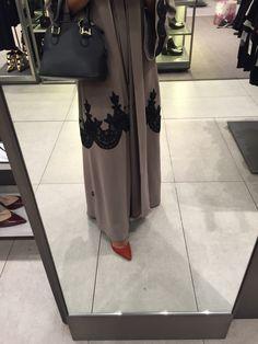 Love this abaya color ❤️