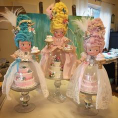 Lisa Loria Studios: A new Marie Antoinette class Shabby Chic Spiegel, Shabby Chic Zimmer, Shabby Chic Vanity, Shabby Chic Frames, Shabby Chic Baby Shower, Shabby Chic Garden, Shabby Chic Kitchen, Kitchen Rustic, Kitchen Modern
