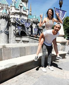 disneyland with bf!! (take cute pics with friends and bf)