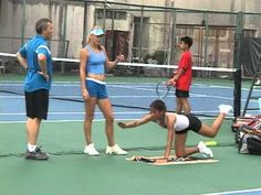 Caroline Wozniaki: How They Do It. - YouTube