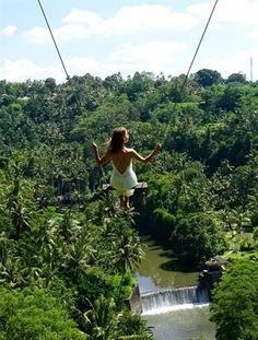 Unieke ervaring: Schommelen in Bali