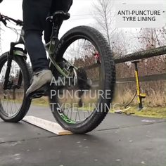 Bicycle Inner Tubes Explosion-Proof Lining Tire Pad - home repair Bmx Gt, Velo Dh, Auto Gif, Velo Design, Bmw Autos, Cool Inventions, Useful Life Hacks, Long Distance, Mountain Biking