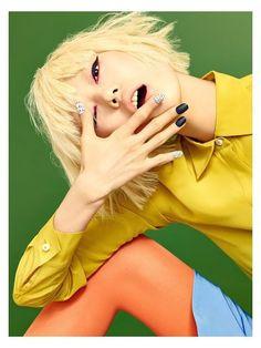 Joo Eo Jin, Park Hee Jeong, Kim Yong Ji for Aritaum Flagship Store 2016 campaign Pop Art Fashion, Fashion Poses, Fashion Shoot, Colorful Fashion, Editorial Fashion, Fashion Editorials, Fashion Photography Inspiration, Editorial Photography, Portrait Photography