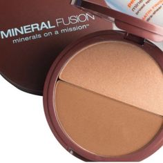 Mineral Fusion Bronzer Duo A silky bronzer that blends flawlessly into the skin and lasts all day, adding a natural, flattering warmth to the complexion for a healthy, sunkissed glow. The duo shade system allows for contouring and highlighting or customizing your shade. Formulated with the safest, most gentle ingredients, natural UV protection of minerald, plus skin smoothing Aloe Vera. Luster bronzer duo - duo matte bronzer and shimmer highlighter. Net Wt 0.29oz/8.4g. NWOT Mineral Fusion…